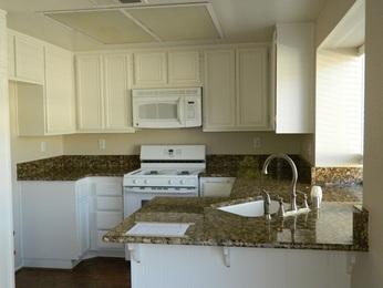 048-460306 Kitchen_18601256